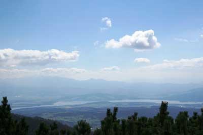 Jezioro Orawskie - widok z Babiej Góry. Fot. J. Gawryś.