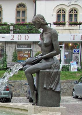 N owa rzeźba na pl. Dietla w Szczawnicy. Fot. J. Gaczyńska.