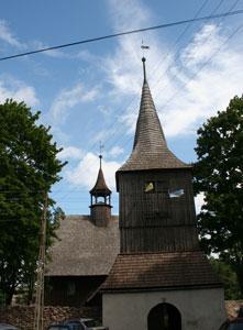 Zabytkowy kościół w Rybnicy Leśnej. Fot. J. Gawryś.