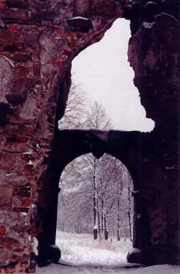 Ruiny zamku w Bodzentynie. Fot. A. Gawryś.